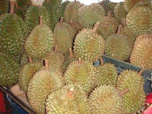 Durianeita thaimaalaisella torilla.