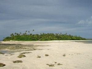Rantaa Ha´apain Lifukan saaren eteläkärjessä.