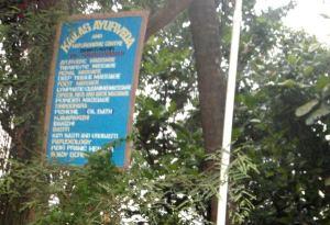 Kailas Ayurvedan kyltti Bhakti Kutirissa.