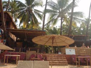 Kiva rantaravintola Palolemissa.