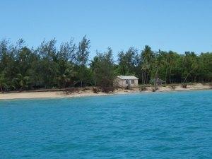 Toisen majapaikan mökki Uolevan saarella.