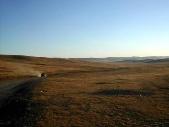 Auto Mongolian autiomaassa.
