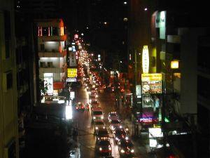 Liikennettä Bangkokissa.