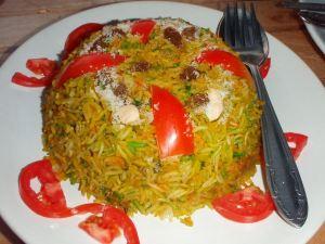 Biryani on tavallinen intialaisruoka pohjoisesta, ja sitä voi saada turistiravintoloistakin.