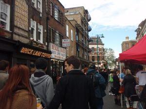 Brick Lane oli hyvä paikka kesäkuisena sunnuntaina.