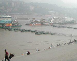 Lauttoja Chonggingin satamassa.