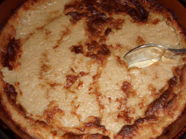 Imelletty perunalaatikko saa makeutensa kun edellisenä iltana laitetaan vehnäjauhoja kuumana muussattujen perunoiden joukkoon. Seuraavana päivänä lisätään soijamaitoa, siirappia ja suolaa.
