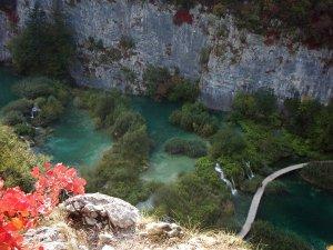 Näköalapaikka Plitvicen vesille kohdasta, josta useimmat tulevat puistoon.