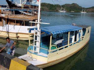 Vene, jolla lähdimme Labuanbajon satamasta Komodolle.