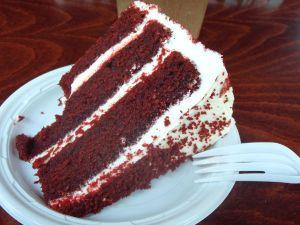 The Bean -kahvilan red velvet -kakku.