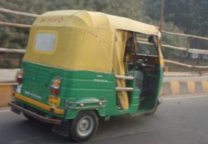 Tyypillinen intialainen moporiksa.