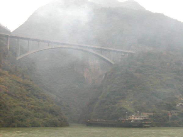 Maisemaa Yangtsen varrelta.