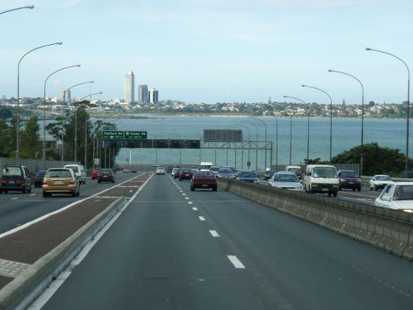 Saapuminen takaisin Aucklandiin.