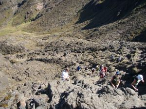 Devils Staircasen raskas ja kivikkoinen nousu.