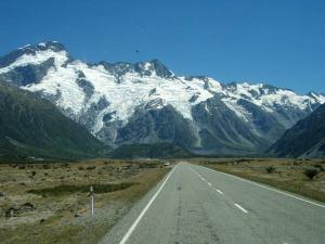 Lähellä kohti Uuden-Seelannin korkeinta vuorta Aoraki Mount Cookia.
