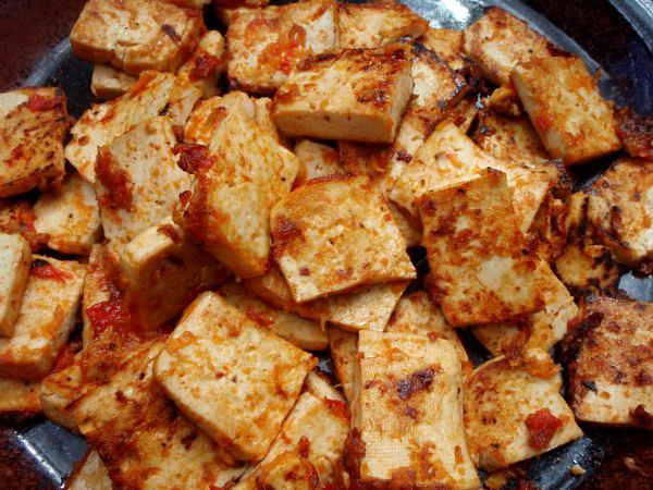 Paistettu tofu.