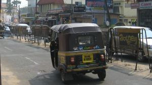 Riksat ovat joskus kovia vedättämään Intiassa, mutta Keralan Kollamissa ei niin pahoin.
