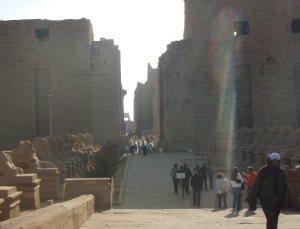 Karnakin temppelin sisäänkäynti.