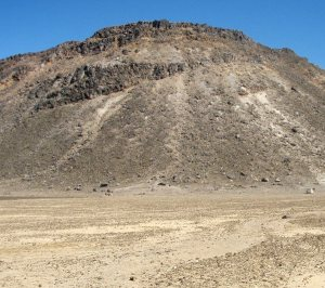 Tasaisella South Craterilla sai kävellän pahoilaisen rappusten ja tulevan irtokivisen nousen välissä.