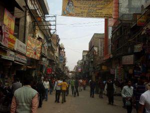 Tällä Pahar Ganjin kadulla ei kulkenut autoja.