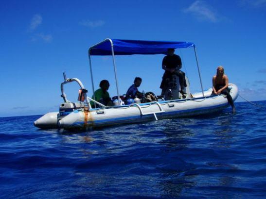 Ha´apain sukelluksilla käytetty kumivene.