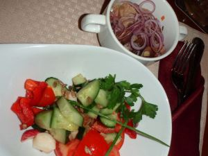 Tosi pieni salaatti