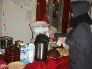 Pikku apurit voivat olla hyviä niin joulumyyjäisissä kuin ravintolapäivänäkin.