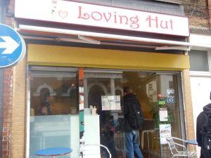 Mornington Crescentin Loving Hut ulkoa.