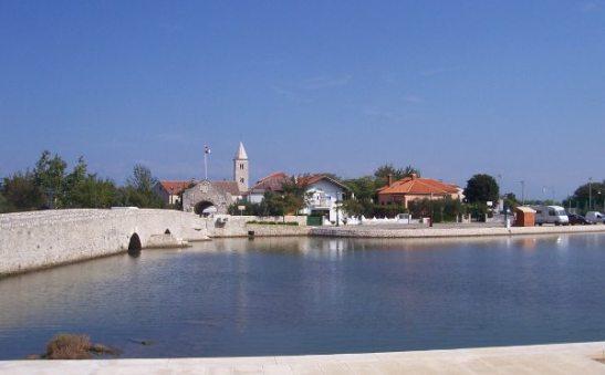 Ninin kylä.