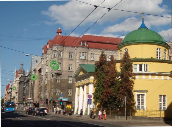 Vanhoja taloja Riika Brivibas ielan varrella.