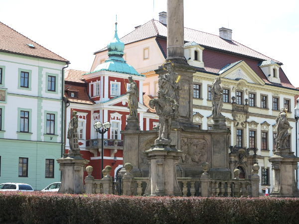 Hradec Kraloven hienoa kaupunkikuvaa.