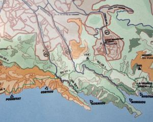 Kartta osasta Calanquesia.