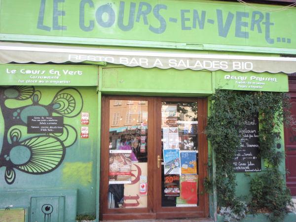 Bongasin Cours Julienilta kasvisravintolan, joka oli tietysti silloin kiinni.