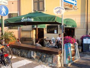 Tämä ravintola Levantossa oli ehkä lempparini herkkutattibruschetan takia.