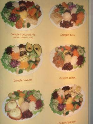Löysin sattumalta Montmartrelta kasvisravintolan, joka mainosti menussaan sellaisia ruoka-annoksia, joista minä pidän.