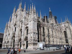 Milano ei ollut sellainen kaupunki, johon tällä matkalla halusimme. Kuvassa Milanon kirkko Duomo.