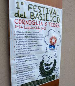 Italiassa pidetään paljon juhlia eri ruoka-aineksille, ja Cornigliassa oli meneillään basilikan juhlinta.