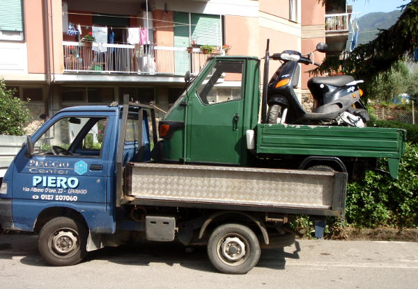 Ajoneuvojen kuljetustyyliä levantolaisittain.