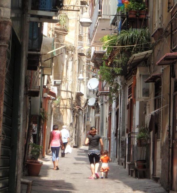 Napolin kuja.