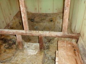 Tämä sauna lämmittyi kraaterin fumaroleista johdetulla kuumalla höyryllä.