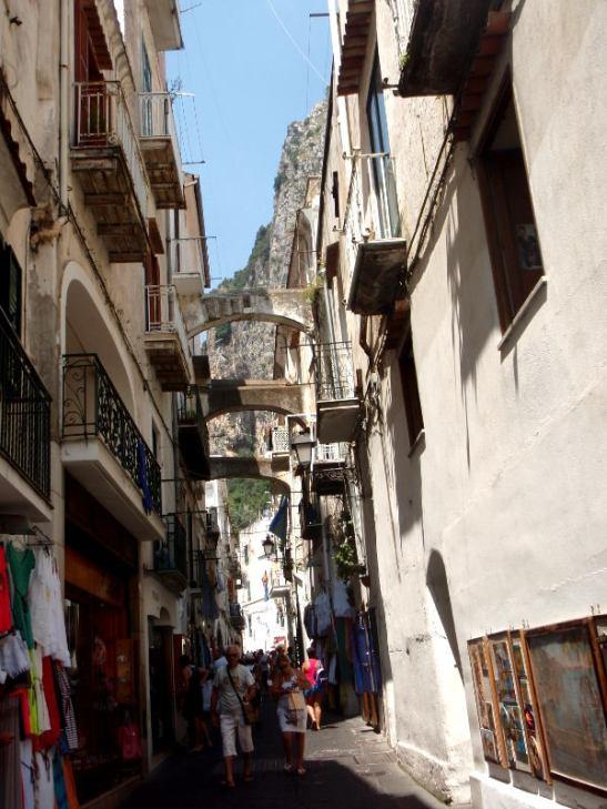 Kuja Amalfin kylässä.
