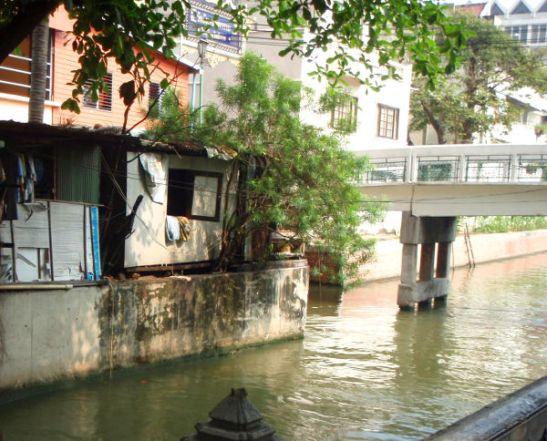 Minun on ikävä Bangkokia ja sen khlong-jokia.