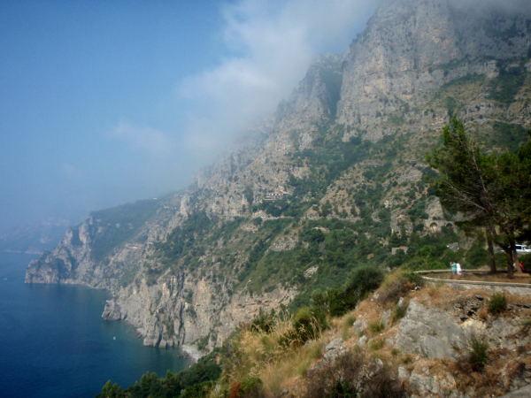 Rannikkoa ja näköalapaikka ennen Positanoa.