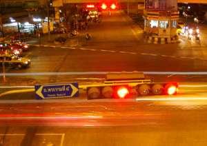 Bangkokin liikennettä Thanon Ramalla.