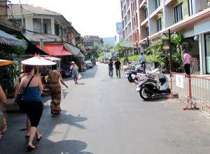 Haluan tallaamaan Bangkokin katuja.
