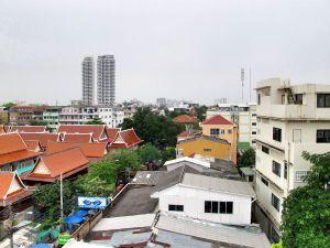 Banglamphun kattoja Bangkokissa.