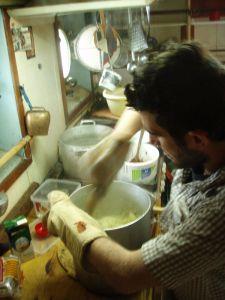 Myös minä löysin itseni Estellellä usein keittiöstä. Kuva: Estelle / Uusi Tuuli ry