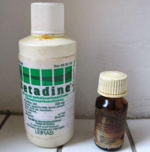 Betadine on lantrattua jodia niille, jotka eivät osaa olla yliannostelematta lääkkeitä. Jodisprii on tehokkaampi aine, jonka kuivattavat vaikutukset tuntuvat heti.