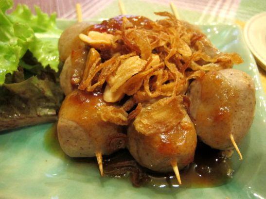 Thamnassa tilasin nämä kasvispallerot kirpeän makeassa tamarindikastikkeessa.