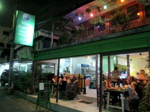 Khao San Roadin lähellä sijaitseva May Kaidee´s.